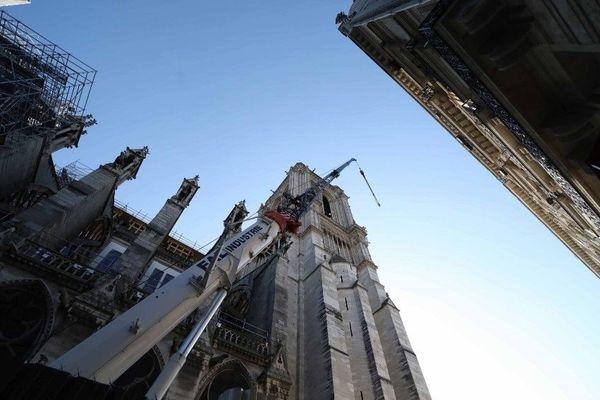 Le chantier de Notre-Dame en sommeil en raison de la crise sanitaire, mercredi 22 avril.