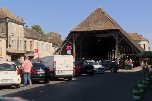 A une cinquantaine de kilomètres de Paris, Milly-la-Forêt (Essonne), est riche d'un patrimoine architectural et culturel.