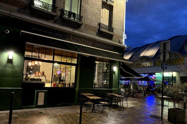 Avant-dernière soirée, ce jeudi 22 octobre, avant le couvre-feu dans un bar de Reims.