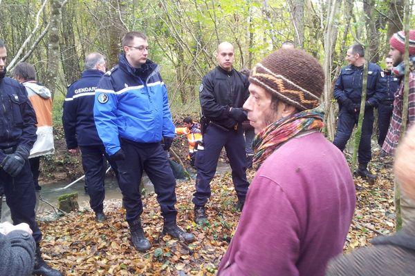 Les prélèvements se sont opérés sous protection des gendarmes