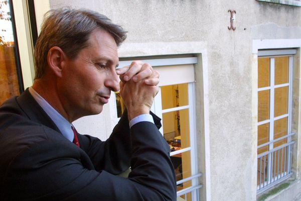 Photos d'archives du 15/11/2002. Florent MONTILLOT n'est plus maire adjoint d'Orléans