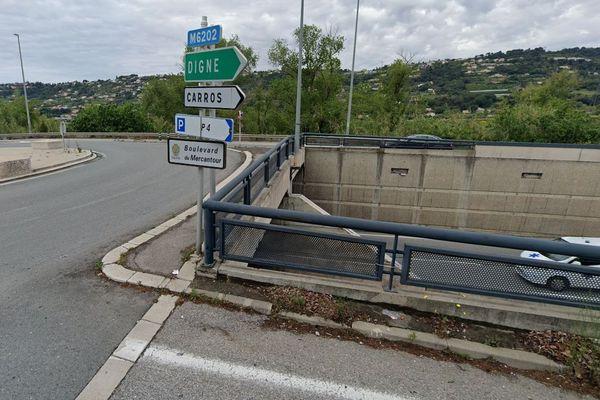 Une voiture est tombée d'un pont ce mercredi 25 décembre à Nice