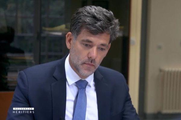 """Damien Gérard, généalogiste successoral, dans la vie comme dans la série télé """"Recherche Héritiers"""" diffusée sur France 3"""