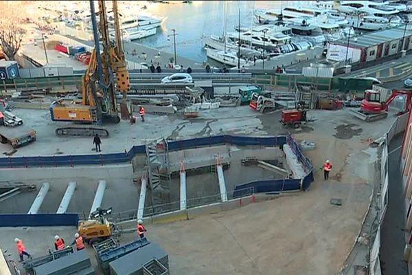 Les travaux sur le port de Nice pour la ligne 2 du tram.