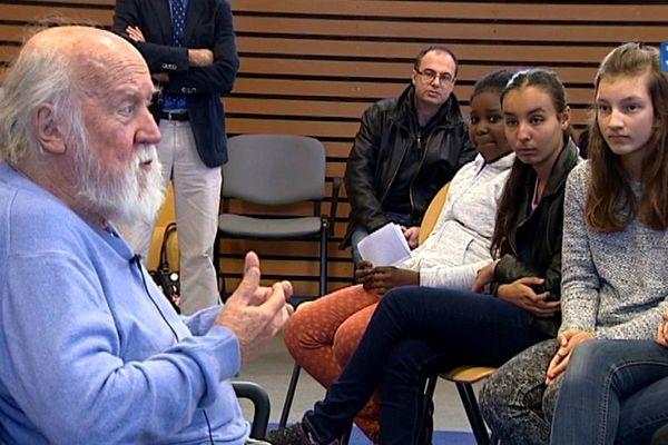 Hubert Reeves au collège Lucie Aubrac le 21 septembre à Clermont-Ferrand.