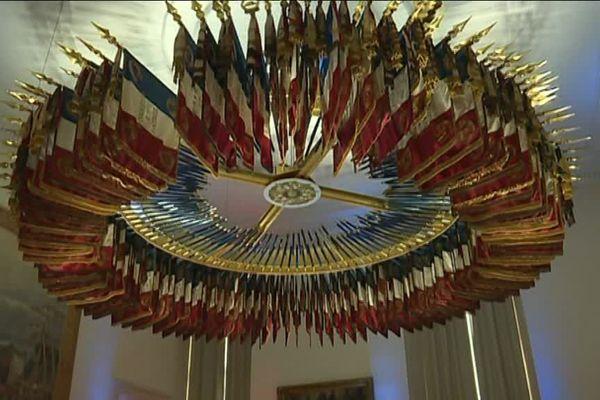 Tous les drapeaux des régiments dissous sont ici