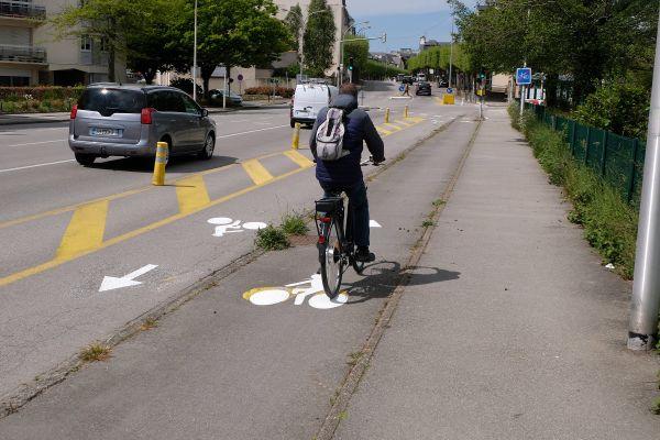 Clément dénonce le manque de pistes cyclables dans Toulouse