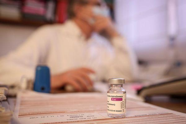 Les médecins généralistes commencent les vaccinations pour les 50 à 64 ans souffrant de comorbidité