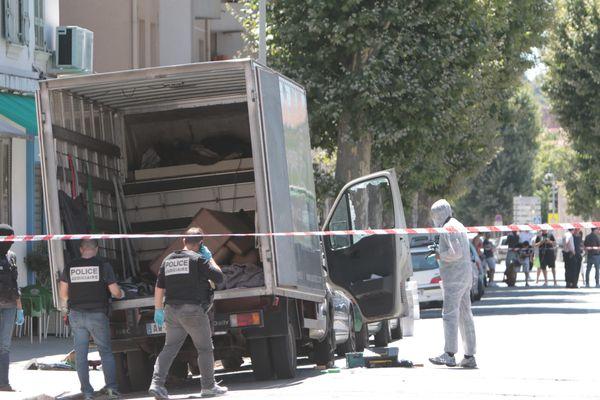 Photo prise lors de la perquisition chez le chauffeur de l'attentat du 14 juillet 2016. Un autre camion suspect était le 15 juillet inspecté par les les enquêteurs .