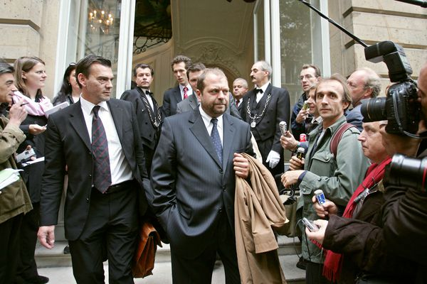 Frank Berton (à gauche) et Eric Dupond-Moretti, en septembre 2004, durant l'affaire Outreau.