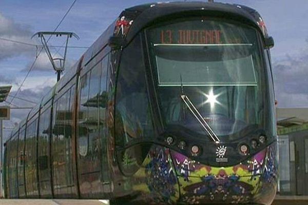 Pérols (Hérault) - la ligne 3 du tramway - mai 2014.