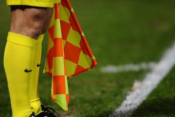 Dans l'Allier, le coup d'envoi des matchs de football de District sera retardé de 15 minutes, en réponse à l'agression dont aurait été victime un jeune arbitre le samedi 15 février lors d'un match de 4ème division.