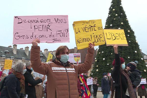 La manifestation à Dijon dimanche 29 novembre a rassemblé une quarantaine de catholiques