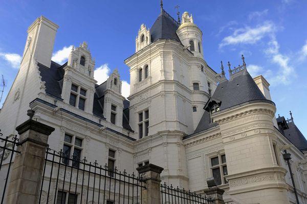 la façade du Musée Pincé bijou de l'architecture française du 16ème siècle