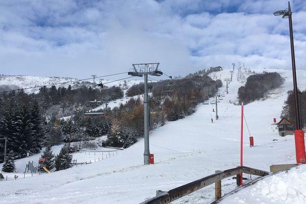 Le Massif du Sancy, 100 kilomètres de ski de fond et 76 de ski de piste à moins d'une heure de route de Clermont-Ferrand