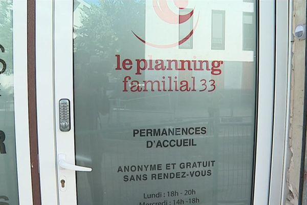 Les deux permanences girondines sont fermées mais l'accueil téléphonique se poursuit.