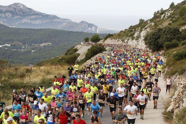 Le Marseille Cassis dans la montée de la Gineste.