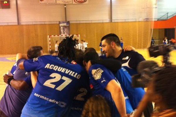 la joie des Handballeurs de Saran, premiers en championnat (après leur match face à Saint Ouen en avril 2015)
