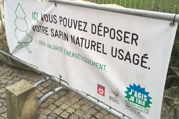 L'un des points de collecte dans Bordeaux ouverts jusqu'au 3 janvier 2020.