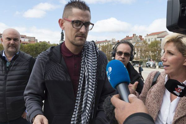 Nicolas Chafoulais lors de son arrivée au tribunal du Puy-en-Velay, le lundi 9 octobre 2017.