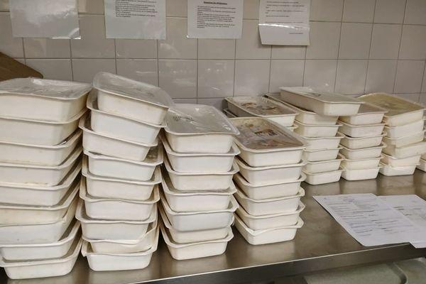 Des barquettes repas de la cuisine centrale de Nice.