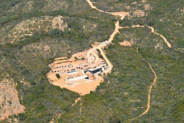 Le chantier de construction des villas.