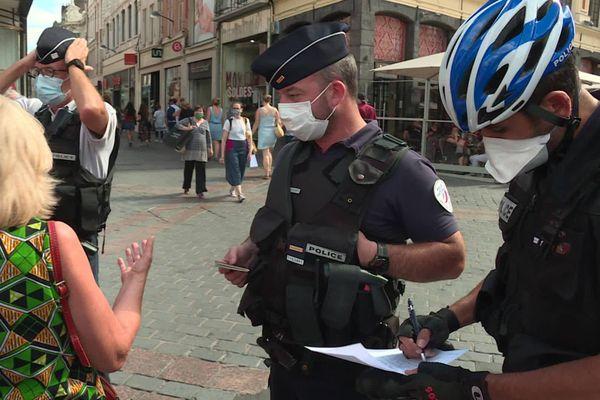 Pour les policiers, l'heure est désormais aux sanctions en cas de non-respect du port du masque.