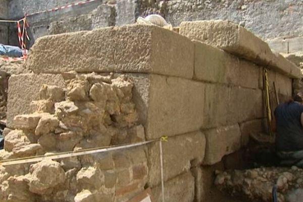 Les fouilles continuent rue de la Courtine à Limoges