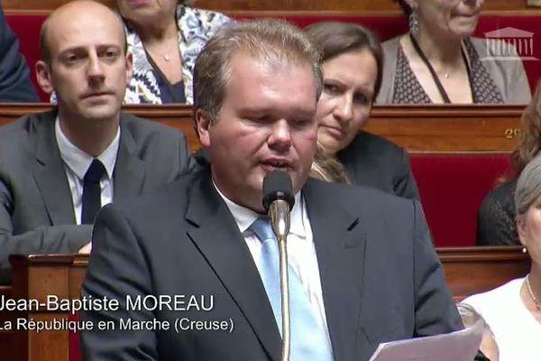 Dans sa réponse, le ministre de l'économie Bruno Le Maire, a exigé des salariés de GM&S la levée immédiate du blocage de l'usine PSA de Sept-Fons dans l'Allier.
