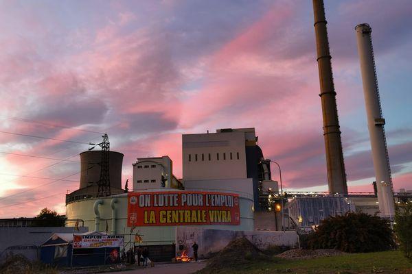 """Mardi 12 octobre au petit matin, une centaine de salariés """"mettent sous protection"""" la centrale thermique de Gardanne"""