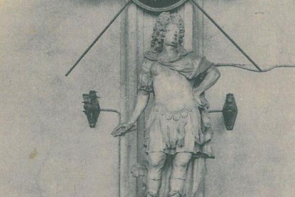 Carte postale ancienne de la statue de Charles V.