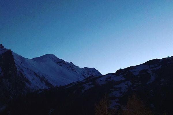 Par delà la montagne, la lumière...