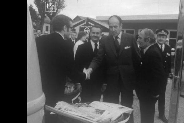 Valéry Giscard d'Estaing en visite à la foire de Mâcon, le 15 mai 1972 (archives)