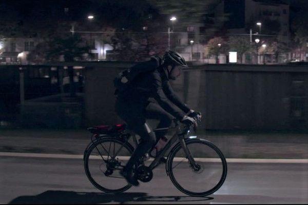 Damien, livreur à vélo.