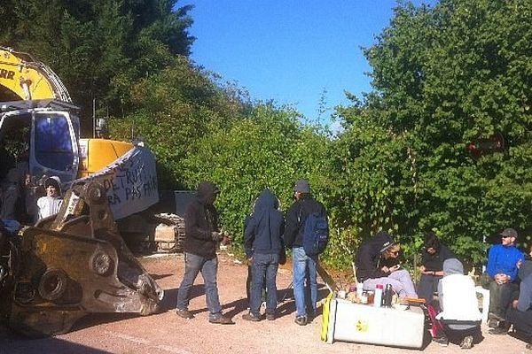 Des militants du jardin collectif des Lentillères ont mené une nouvelle action lundi 1er septembre 2014