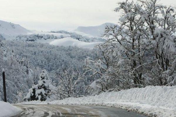 Cet hiver, la neige a abîmé les routes de la Pierre-Saint-Martin.