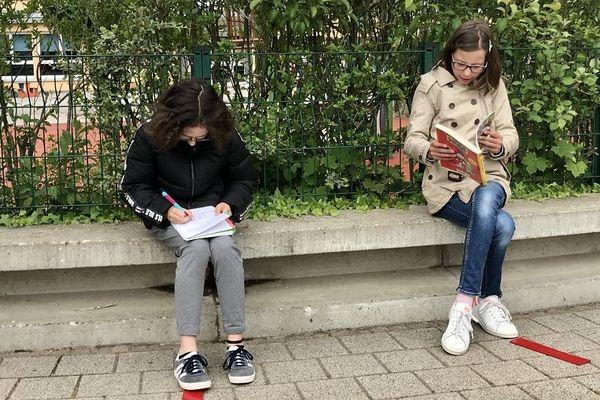 Ecrire ou lire, il faut choisir