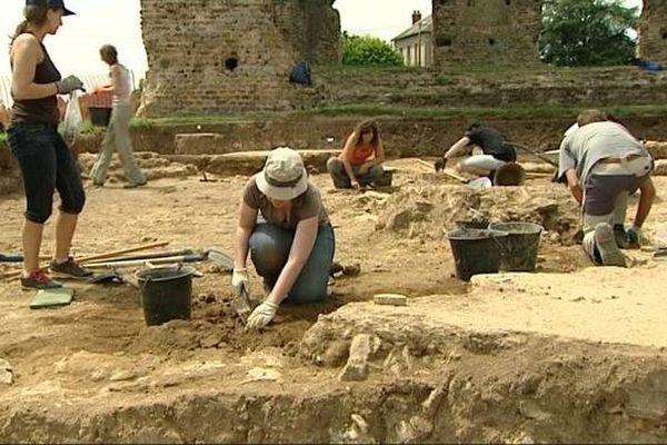 Les fouilles se poursuivent sur le site gallo-romain du Temple de Janus à Autun.