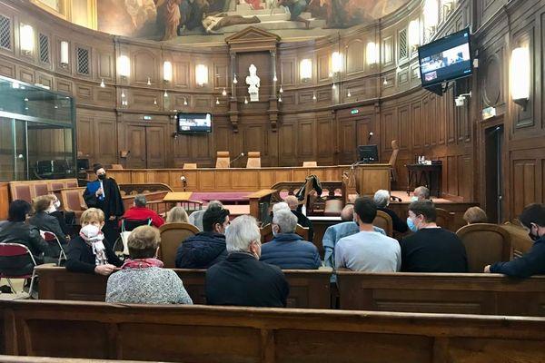 Ce matin à Montpellier lors de la retransmission du rendu du tribunal correctionnel de Paris.