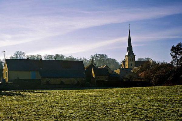 Petit village en Sarthe.
