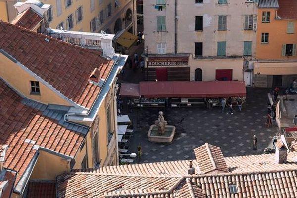 Place Saint-François, dans le vieux Nice