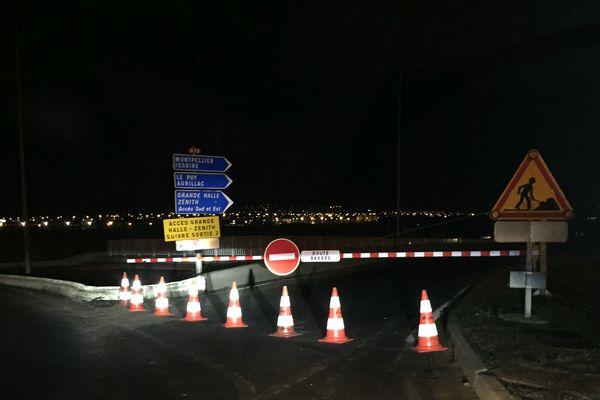 Mercredi 19 décembre, l'autoroute A75 est toujours coupée dans le sens nord-sud, près de Clermont-Ferrand.