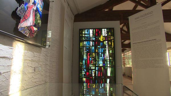 Max Ingrand avait mis au point des techniques bien particulières pour travailler le verre et réaliser les vitraux.