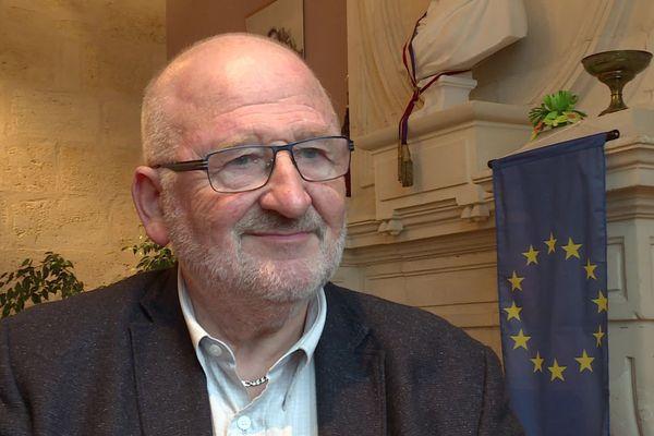 Alain Renard, maire socialiste de Saint-Savin-de-Blaye repart au combat.
