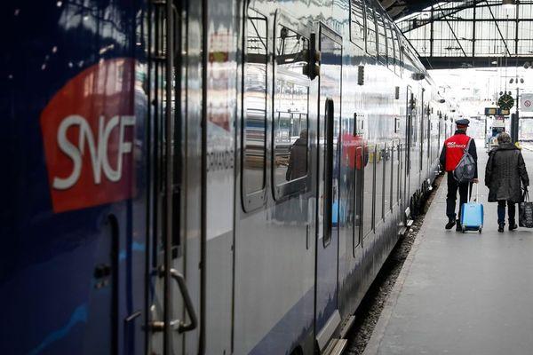 La gare Saint-Lazare au premier jour de grève des cheminots