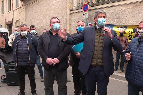 Gilles Platret, le maire (LR) de Chalon-sur-Saône, à la sortie du tribunal administratif de Dijon ce mercredi 3 février
