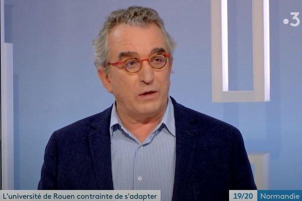 Joël Alexandre, Président Université de Rouen, présente les nouvelles mesures sanitaires prises pour lutter contre la CODIV 19.