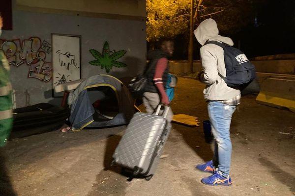 Les occupants quittent les lieux ce lundi 30 novembre au petit matin