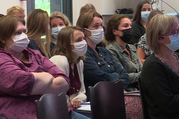 Les professeurs devront de nouveau porter le masque en cours pour cette rentrée scolaire 2021