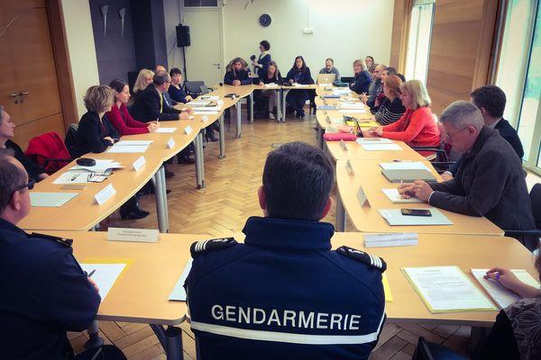 Réunion de la commission de lutte contre la prostitution, le proxénétisme et la traite des êtres humains aux fins d'exploitation sexuelle, en ce 8 mars, à la Préfecture de Limoges.
